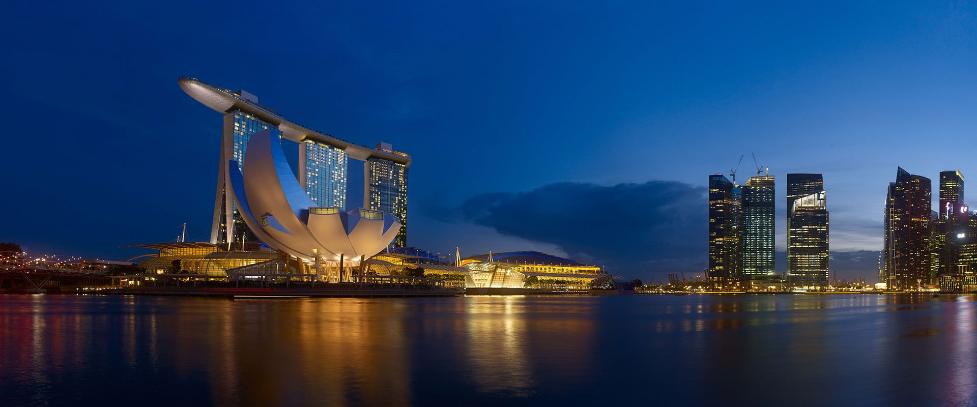 https://jp.marinabaysands.com/content/dam/singapore/marinabaysands/master/main/home/hotel/offers/never-settle-ja-indulgence/NeverSettleOffer_1920x800.jpg