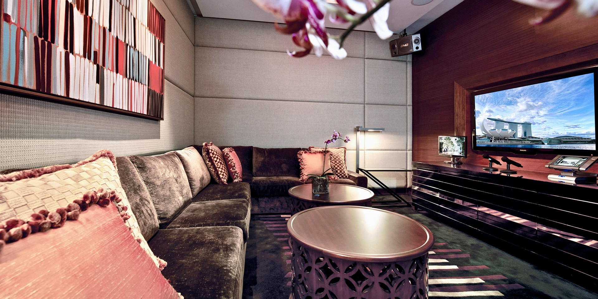 Straits Suite with Entertainment Room and Karaoke at Marina Bay Sands