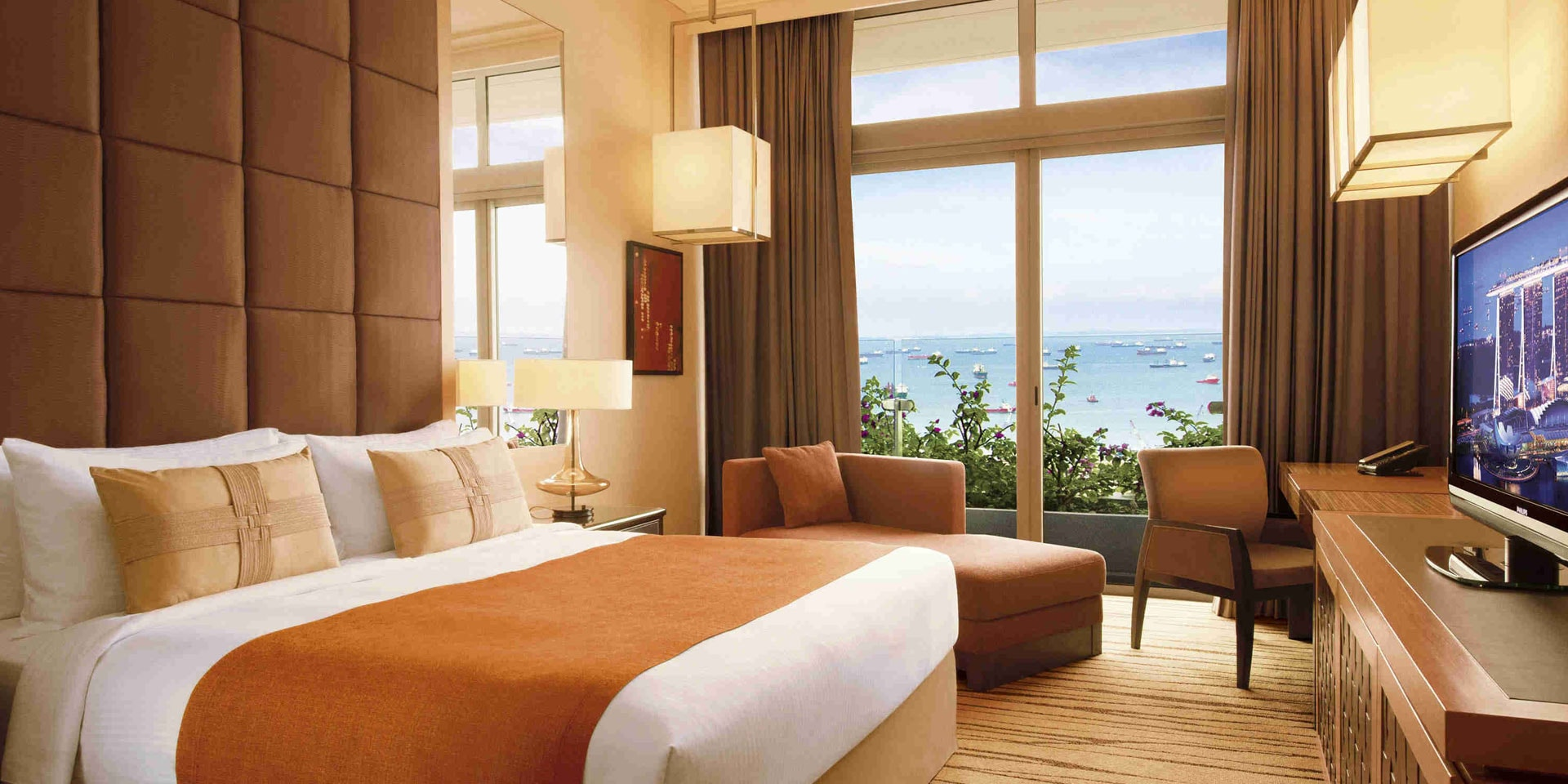 Deluxe Room in Marina Bay Sands with King Bed and Garden View