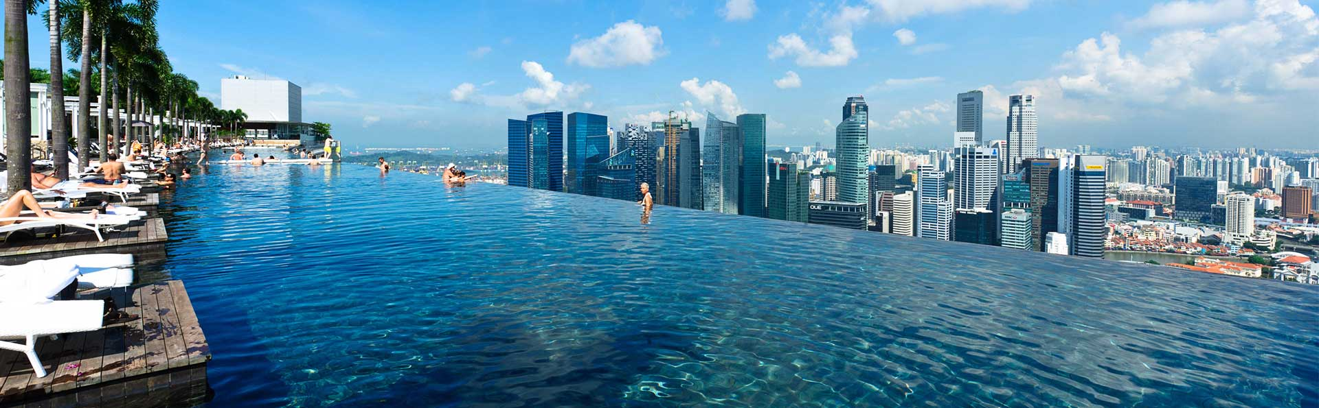 http://jp.marinabaysands.com/content/dam/singapore/marinabaysands/master/main/home/sands-skypark/infinity-pool-banner-day.jpg